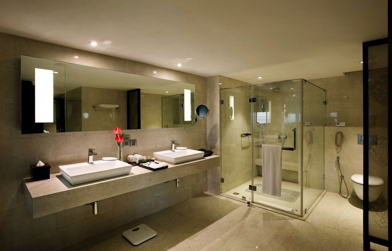 Delhi five star hotels deluxe hotels in delhi the for 5 star hotel bathroom designs