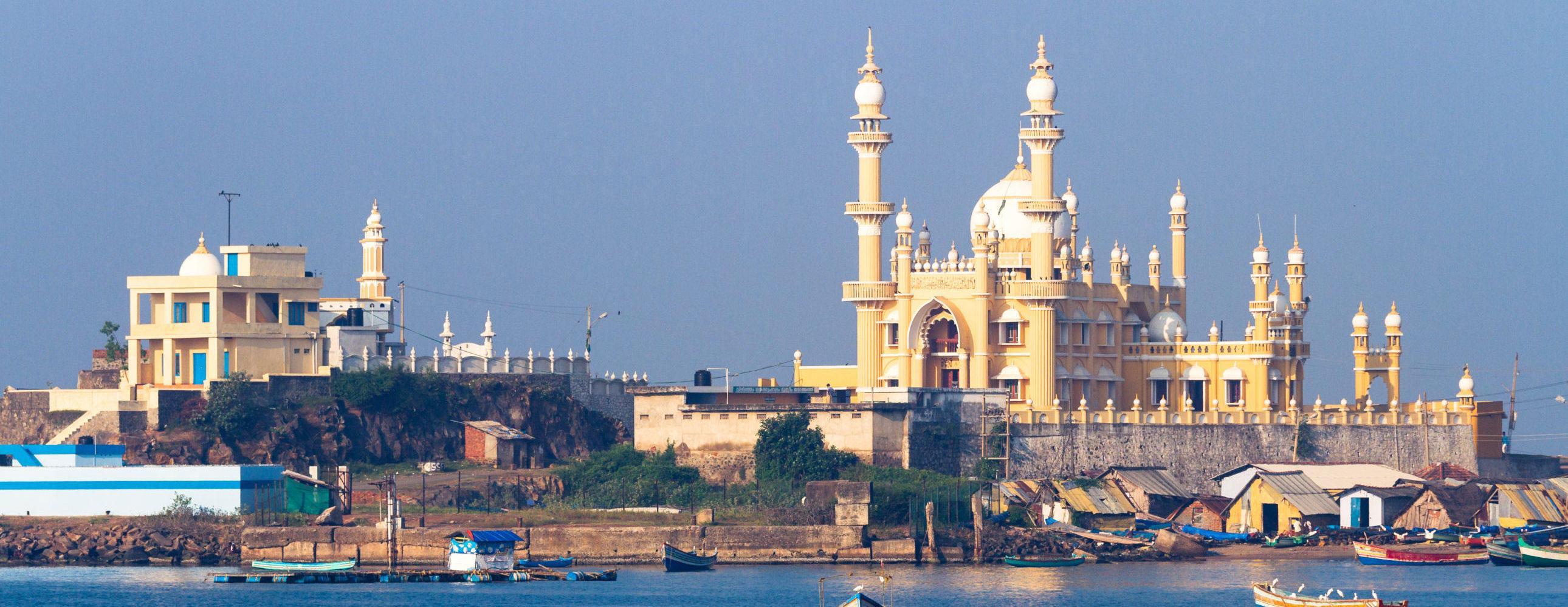 A wonderful state arranged on the Malabar Coast, around 600 kms far from the coastline of the Arabian Sea.