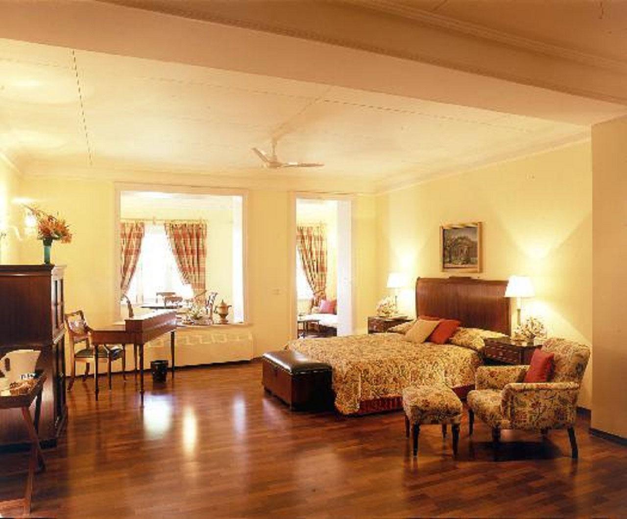 The  Lalit Grand Palace Srinagar. Suit